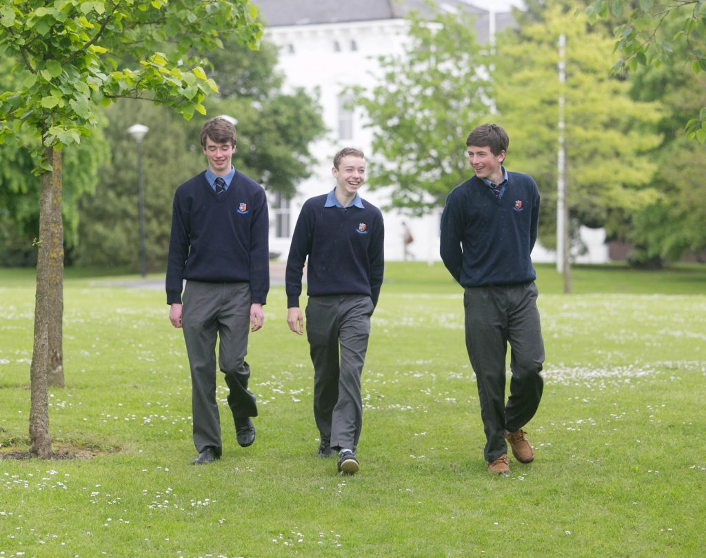 With Compliments   Free Pics Stephen Aherne, Rian Barrett and Liam Broderick pictured at University of Limerick  Pic. Brian Arthur/ Press 22